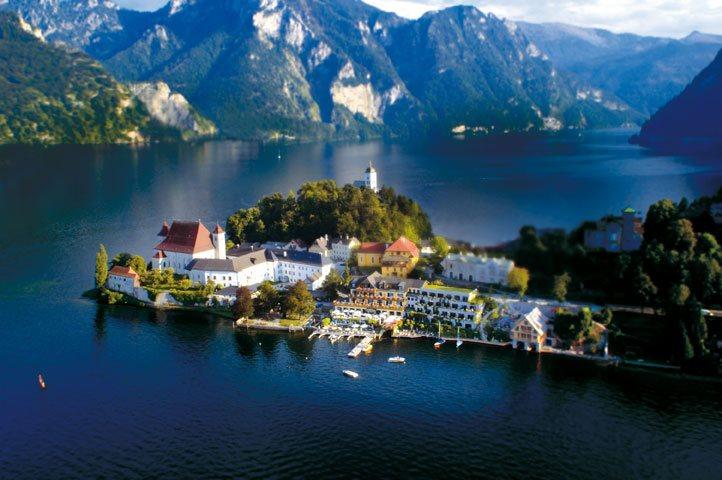 """Seehotel """"Das Traunsee"""" erhält Vierstern-Superior Auszeichnung"""