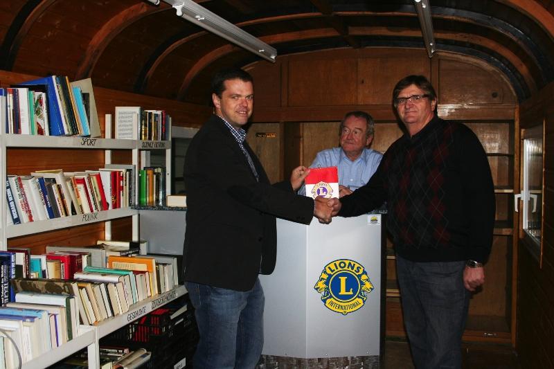 Lions Bücherwagen wurde zum Lions Büchercafe umgebaut