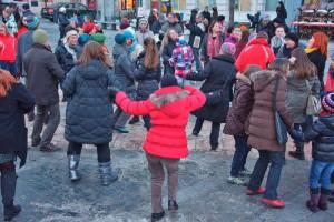One Billion Rising in Gmunden am Rathausplatz   Foto: Peter Sommer