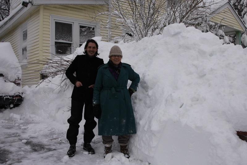 """Schneesturm """"Nemo"""" wütet über New York - Laakirchner schildert Blizzard-Lage"""