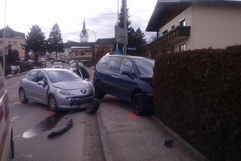 Drei Verletzte bei Unfall in Gschwandt