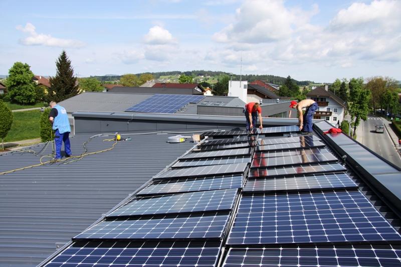 drei neue photovoltaikanlagen auf gemeindegeb uden aktuelles aus dem salzkammergut. Black Bedroom Furniture Sets. Home Design Ideas