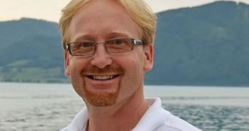 Lebensrettung am Attersee - Hobbyfischer (71) fiel aus Boot