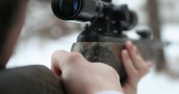 Kind mit Luftdruckgewehr bedroht - Pensionist fühlte sich von Lärm belästigt
