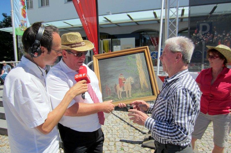 Frankenburger Maler übergab ein Bild an die Würfelspielgemeinde