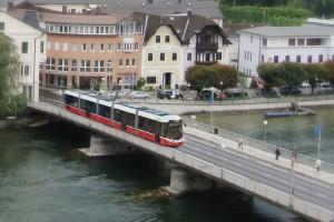Vertragsunterzeichnung - 11 hochmoderne Triebfahrzeuge für Stern & Hafferl