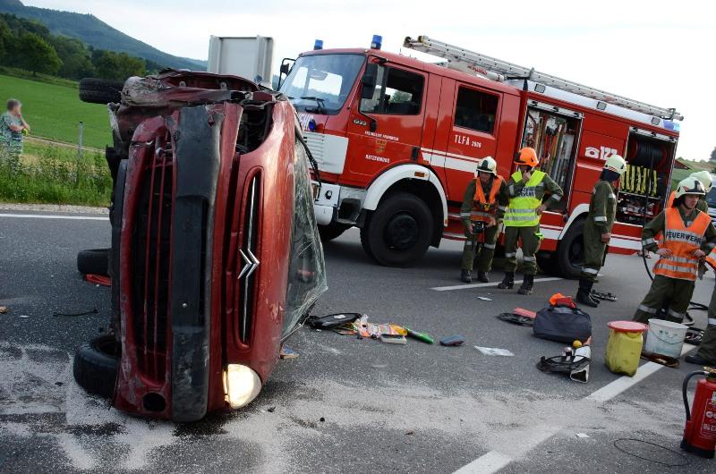 Spektakulärer Auto-Überschlag in Regau