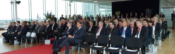 Schwanenstadt: Ulbrichts Witwe GmbH von Wirtschaftskammerpräsident Dr. Leitl ausgezeichnet