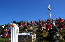 Traunsteinmesse seit 1950 - die erste Bergmesse im Gedenken an die Opfer der beiden Weltkriege
