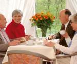 Kursana Senioren beim Kaffee