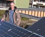 Umweltstadtrat Hindinger ruft dazu auf bei der Energiewende mit zu machen. Förderungen für Thermische Sanierungen und PV-Anlagen können ab sofort beantragt werden (Foto: Grüne)