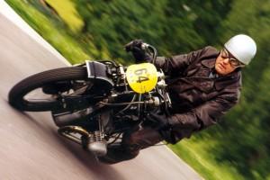 Aufeinem Frauen-Motorrad-Treffen