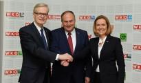 WKOÖ-Präsident Rudolf Trauner (mitte) mit den Vizepräsidenten Clemens Malina-Altzinger (links) und Angelika Sery-Froschauer (rechts)
