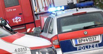 Blaulicht Polizei Rettung Feuerwehr © Wolfgang Spitzbart