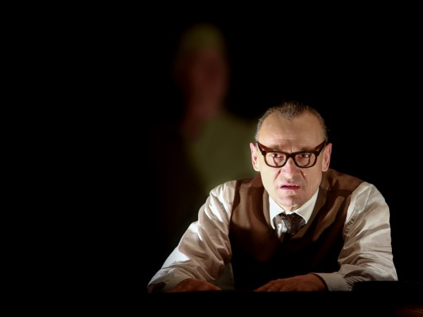 Pressefoto Eichmann zugeschnitten