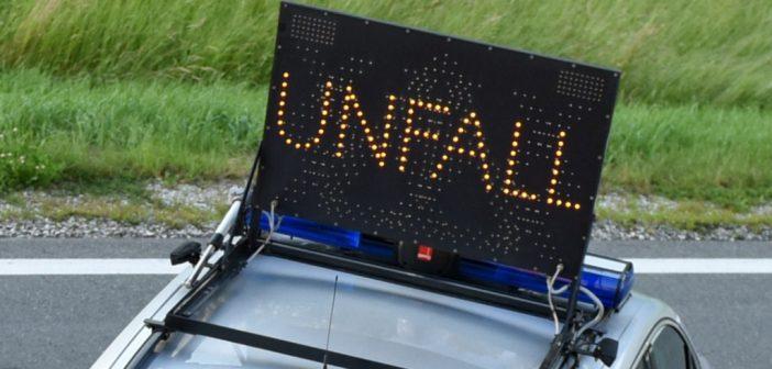 Drei Verletzte bei Autoüberschlag auf Westautobahn in Regau