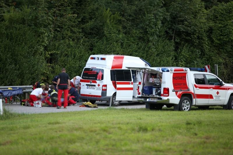 Schwerer Motorradunfall auf der Almseestraße (3)