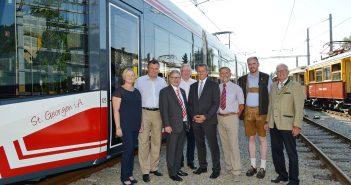 Bildunterschrift: Mit der Inbetriebnahme der neuen Fahrzeuge setzt Stern & Hafferl neue Standards in der Personenbeförderung. (c) Cityfoto