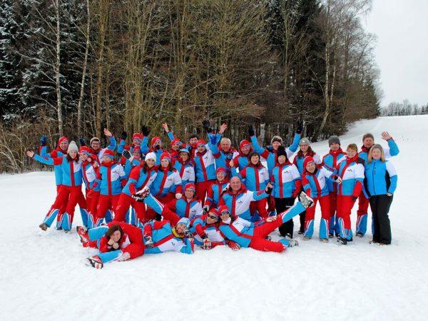 Nur mit einem großen Team an motivierten ehrenamtlichen Helfern ist die Umsetzung des Skikurses möglich
