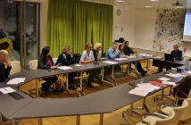 Der Lenkungsausschuss, bestehend aus Vereinen, Bürger/inne, Verwaltung und Politik, arbeiten aktiv an der Planung des neuen Veranstaltungszentrums in Gampern. (Foto: privat)