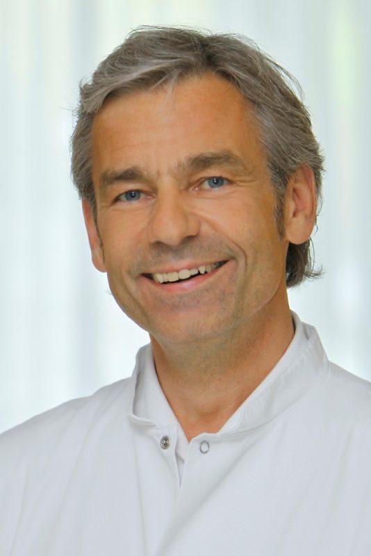 Prim. Dr. Wolfgang C. Baschata, Leiter der Abteilung für Gynäkologie und Geburtshilfe am Salzkammergut-Klinikum Bad Ischl