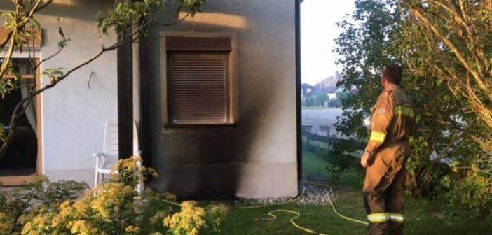 Acht Feuerwehren bei Saunabrand in Abtsdorf im Einsatz