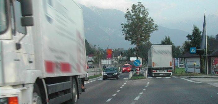 Gemeinden und Tourismusverbände sagen dem Schwerverkehr den Kampf an