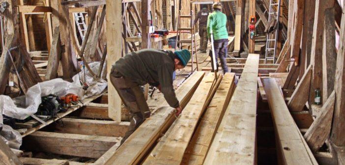 Sanierung des Dachstuhls der 500 Jahre alten Pfarrkirche Laakirchen