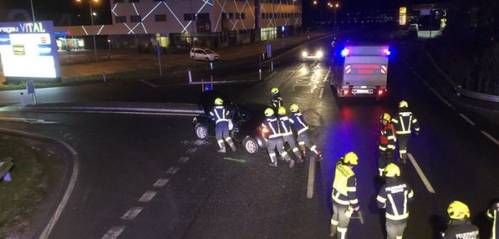 Verkehrsunfall auf Kinokreuzung in Regau