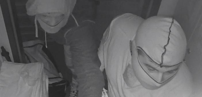 Überwachungskamera filmte Einbrecher – Polizei bittet um Hinweise