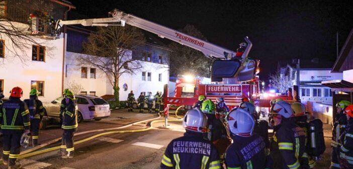 Drei Verletzte bei Zimmerbrand in Altmünster