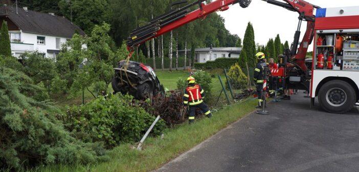 Mehrere Schwerverletzte bei Kreuzungskollision in Rüstorf